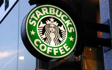 Des Gilets Jaunes envahissent le Starbucks des Champs-Elysées