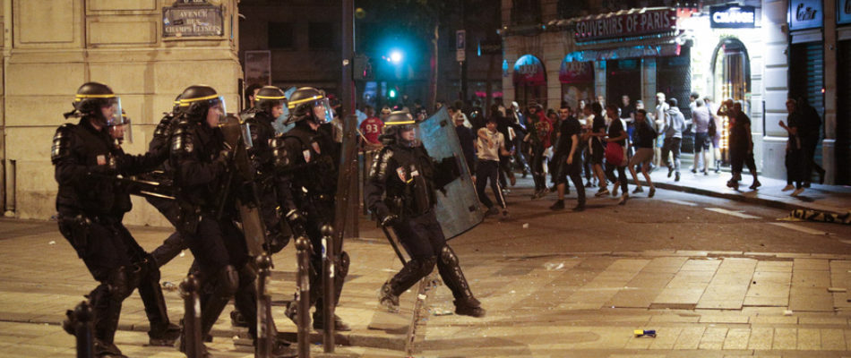 CAN: Violences sur les Champs-Elysées après la victoire de l'Algérie