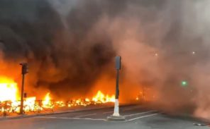 Emeute à Paris: des militants congolais déclenchent un incendie Gare de Lyon