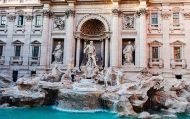 Coronavirus: tandis que Paris s'amuse, Rome se transforme en ville morte…