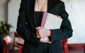 Quelles sont les études nécessaires pour devenir hôtesse d'accueil ?