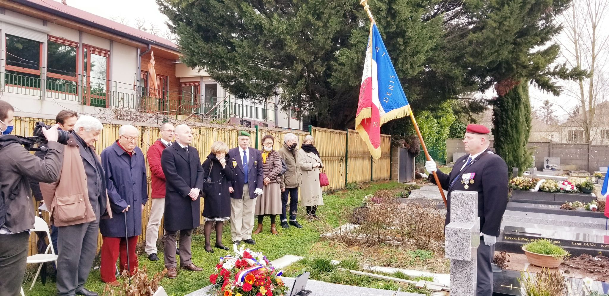 hommage holeindre