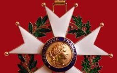 Copinage : les anciens ministres promus dans l'ordre de la Légion d'Honneur