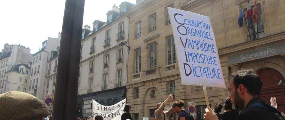 Pass Sanitaire : toujours beaucoup de monde dans les rues à Paris